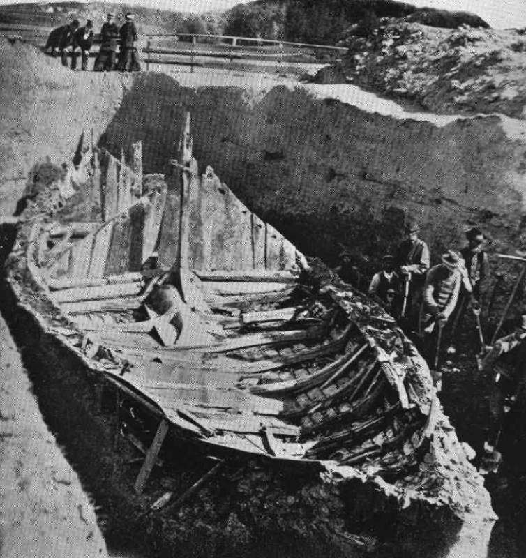 Gokstad viking ship -excavation.jpg